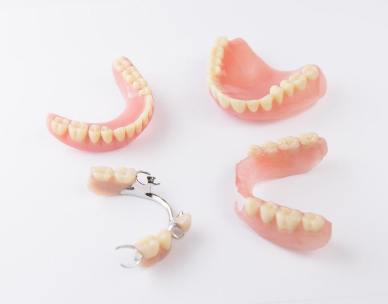 clínica dental Prótesis dentales tratamientos