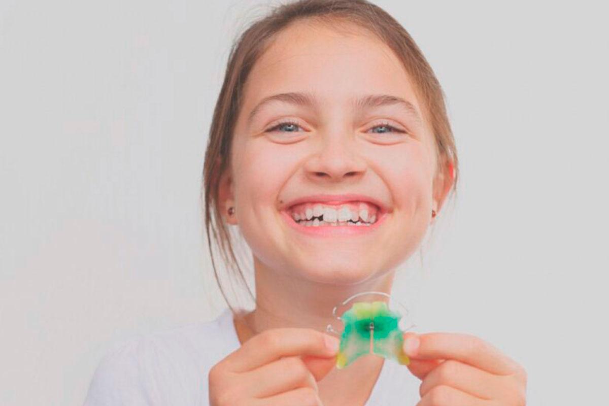 ¿Qué es el Apiñamiento Dental?